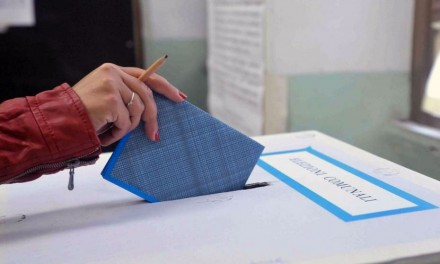 """La lista di sinistra """"Napoli in comune"""" verso le prossime amministrative"""